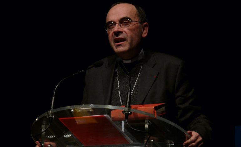 """Co dalej z byłym Arcybiskupem Lyonu, kardynałem Barbarinem  po jego słowach """"Popełniłem błąd, zabrakło mi odwagi…."""""""