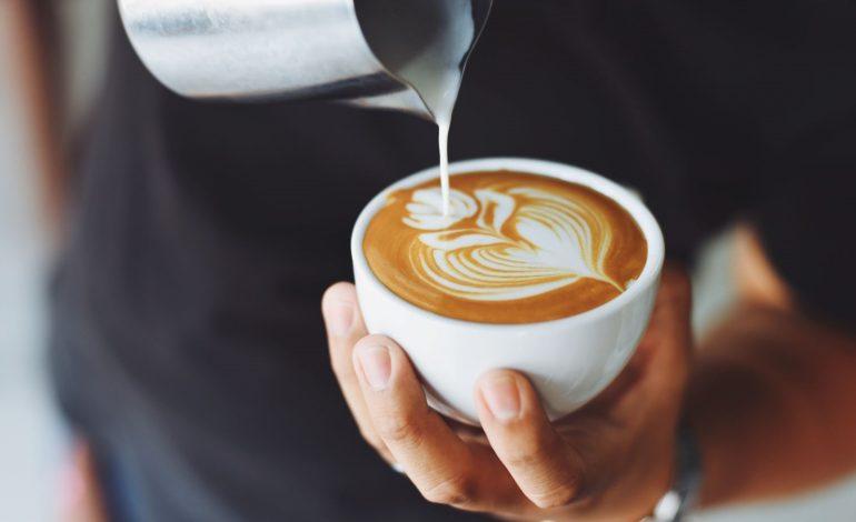 Kawa z kakao i z cynamonem